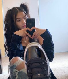 Baddie Outfits Casual, Cute Swag Outfits, Retro Outfits, Tomboy Fashion, Streetwear Fashion, Girl Fashion, Swag Girl Style, Girl Swag, Estilo Chola