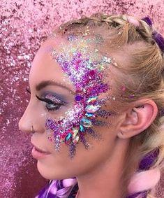 Festival makeup festival makeup and glitter in 2019 Make Up Gold, Glitter Make Up, Glitter Face, Glitter Gel, Glitter Stars, Rave Music, Linda Hallberg, Emma Stone, Boho Hippie
