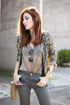 Military green and golden sequined blazer, a cool combination for a casual chic look. Wearing denim pants and vintage shirt with high heels and sunglasses.