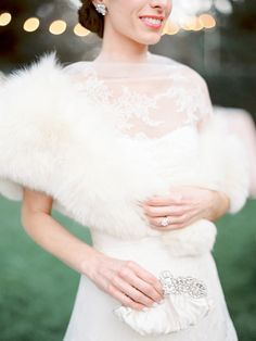 Bride in fur stole | Photography: Coco Tran