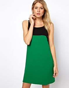 Vestido de corte recto en colour block de Love
