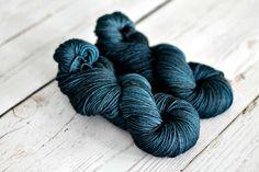 Blue Steel.jpg @ julie-asselin.com  * She has lovely yarns, check yarn then colorways