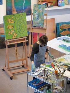 Dorothy Siemens working in her studio