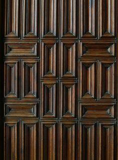 Temple Expiatori de la Sagrada Família - Antonio Gaudí (door detail)