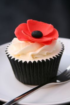 Poppy Cupcake by The Clever Little Cupcake Company (Amanda), via Flickr