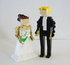 Matrimonial Toy Toppers - The LEGO Wedding Cake Toppers are Geek Chic (GALLERY)