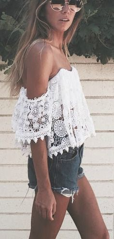 Lace off the shoulder + roll up shorts.