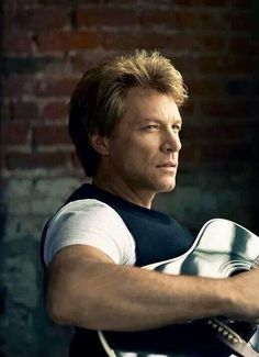 Jon Bon Jovi looking dreamy!!!
