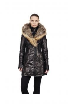 Elevate your winter style with flattering women's puffers, down coats and parkas. Shop down-filled quilted coats with leather details and fur hoods. Women's Puffer, Stylish Coat, Womens Parka, Down Coat, Winter Dresses, Metallic Leather, Winter Fashion, Cool Outfits, Fur Coat