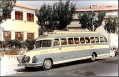 Restos de Colecção: Julho 2016 Streamline Bus, Carros Suv, Busses, Portugal, Vintage Cars, Jeep, Transportation, Coaching, Trucks