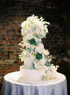 Beautiful Sylvia Weinstock wedding cake