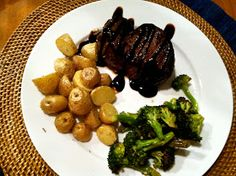 Balsamic Filet Mignon - Trail Mix and Tulle Filet Mignon Recipes Grilled, Chocolate Fountains, Fresh Market, Steak, Grilling, Favorite Recipes, Beef, Dinner, Trail