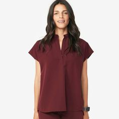 Shop FIGS for comfortable designer scrubs and medical apparel that's awesome. Get ready to love your scrubs! Fashion Tips For Women, Fashion Advice, Teen Fashion, Womens Fashion, Fashion Trends, Fashion Top, Scrubs Outfit, Scrub Pants, Scrub Tops