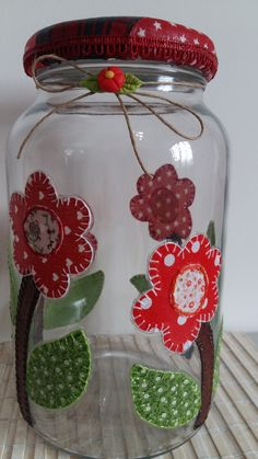 Patchwork flower pot in Tin Can Crafts, Jar Crafts, Bottle Crafts, Crafts To Do, Kids Crafts, Reuse Bottles, Painted Wine Bottles, Bottles And Jars, Glass Jars