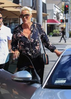 Brigitte Nielsen, Sylvester Stallone, Accounting, Lifestyle, Reading