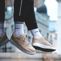 Do you prefer invisible or retro socks? by @philippinger #SNOCKS #socks #sneaker #nike #urban #lifestyle #fashion