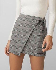 Nice 41 Unique Skirts Design Ideas For Women. More at www. Nice 41 Unique Skirts Design Ideas For Women. More at www. Casual Skirt Outfits, Trendy Outfits, Cute Outfits, Fashion Outfits, Womens Fashion, Fashion Skirts, Casual Skirts, Fashion Boots, Fashion Ideas