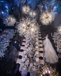 Wedding Flowers - This lighting is so romantic. Wedding Goals, Wedding Themes, Wedding Styles, Wedding Planning, Wedding Decorations, Romantic Weddings, Elegant Wedding, Perfect Wedding, Dream Wedding