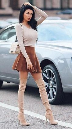 Mini Skirt Dress, Mini Skirts, Fashion Boots, Girl Fashion, Womens Fashion, Street Style Jessica Alba, Classy Outfits, Cute Outfits, Sexy Stiefel