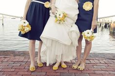 love this ACK wedding; yellow and navy