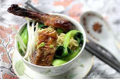 Mi vit tiem (Vietnamese duck noodle soup)