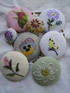 Embroideried covered buttons