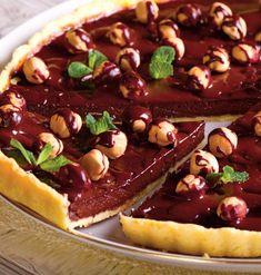 tarta-cu-ciocolata-si-alune Delicious Deserts, Artisan Food, Sweet Cakes, Something Sweet, Cupcake Cookies, No Bake Cake, I Foods, Baked Goods, Sweet Tooth
