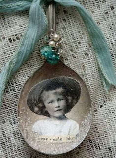 Ancestors on spoons as ornaments! ! Do the family tree!