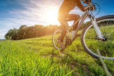 """Todo el que sea un gran aficionado al ciclismo se habrá enfrentado alguna vez al binomio """"bicicleta de montaña – bicicleta de carretera"""": elegir entre un tipo según la usemos más para terreno urbano, para practicar ciclismo a nivel deportistas o para salidas en terrenos sin asfaltar. Por la propia experiencia de Francesc, os diré …"""