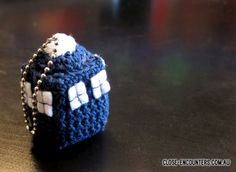 Close Encounters: Crochet Creations by Danni Close: Dr Who Tardis Police Box Pattern