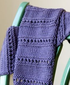cool knitted scarf - good beginners pattern too so my sisters says...maybe I will try?