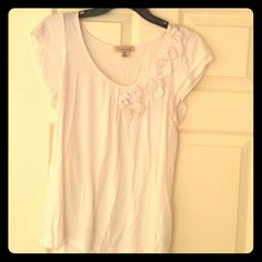 Forever 21 white paper flowers blouse Supper soft and comfey. You can dress this shirt up or down depending on your choosing. Been worn a couple of times but is in amazing condition. NO RIPS STAINS or TEARS. Has been washed and is very clean :) fabric is perfect :)  from smoke free home :) Forever 21 Tops Blouses