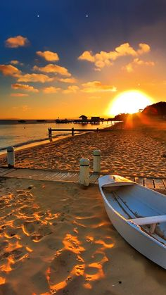 Sunset beach More