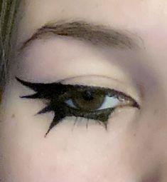 Makeup Eye Looks, Eye Makeup Art, No Eyeliner Makeup, Pretty Makeup, Makeup Inspo, Emo Eyeliner, Eyeliner Ideas, Maquillage Goth, Maquillage Halloween