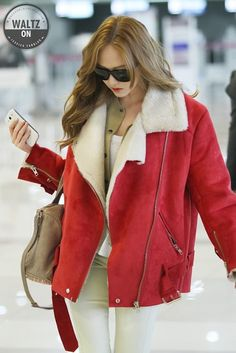 Girls' Generation JESSICA @ airport...make it happen with a Lady in Red !