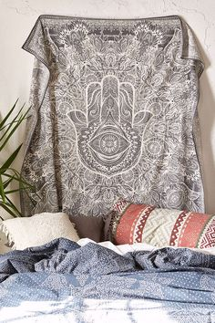 Tapisserie Sketched Hand Magical Thinking / Magical Thinking Sketched Hamsa Tapestry - Urban Outfitters