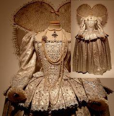 Helen Mirren's Elizabeth I costume