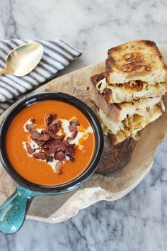 roasted garlic + caramelized onion grilled cheese w. tomato soup