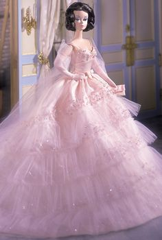 In the Pink Barbie Doll is one of my favorite dolls. The gown is stunning. It was designed by Robert Best. I plan to redress another Barbie in the gown. Barbie Vintage, Barbie Gowns, Barbie Dress, Barbie Clothes, Pink Barbie, Barbie 2000, Barbies Dolls, Barbie Style, Marie Osmond