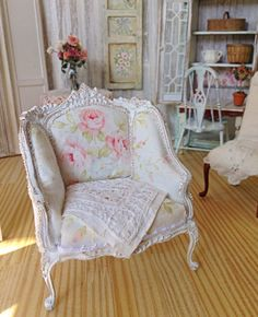 Soft Rose Bergere Chair