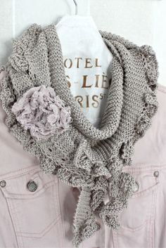 So far as I know: the soul knitting pattern in Finnish . Crochet Cozy, Crochet Hats, Drops Kid Silk, Neck Accessories, Wrist Warmers, Scarf Jewelry, Cowl Scarf, Knitted Shawls, Scarf Styles