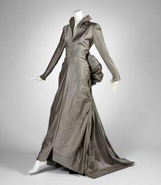 Evening dress Mme. Eta, designer American, 20th century Evening dress, 1945 Silk, metal zipper; plain weave (taffeta) 61.095.20