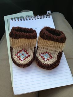 Knit baby mocs  Inspiration:  http://www.purlbee.com/the-purl-bee/2008/11/14/whits-knits-baby-mocs.html