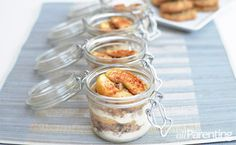 """Mason jar layered apple crumble cookie dessert - """"Delicious baked sugar and cinnamon apples layered in a Mason jar with a crunchy crumbled cookie and homemade whipped cream. Mason Jar Cakes, Mason Jar Desserts, Mason Jar Meals, Meals In A Jar, Cookie Desserts, Just Desserts, Cake In A Jar, Dessert In A Jar, Uses For Mason Jars"""