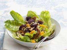 Hähnchen-Salat mit Mandarinen und Cashewkernen ist ein Rezept mit frischen Zutaten aus der Kategorie Hähnchen. Probieren Sie dieses und weitere Rezepte von EAT SMARTER!