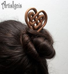 Celtic Heart Knot Hair Stick Handmade Alder Wood by ArtisIgnis, €16.00