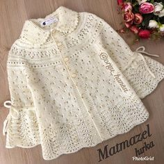 Our mademoiselle card is already over.I can now share it due to the intensity but. Girls Sweaters, Baby Sweaters, Baby Knitting Patterns, Baby Patterns, Crochet Baby Jacket, Knit Vest Pattern, Baby Coat, Hello Ladies, Baby Cardigan