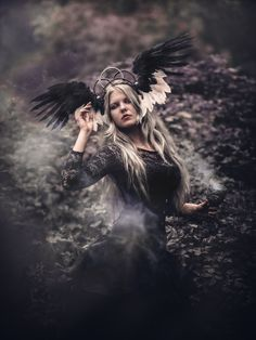 Headdress: Karonell  FB: https://www.facebook.com/Karonell-313261015543223/   Photo: https://www.facebook.com/NinaJaniakFotograf/