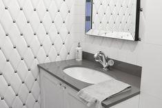 lazienka-plytki-pikowane Master Bathroom, Tiles, Bathroom Ideas, Bathrooms, Living Room, Hallways, Room Tiles, Master Bath, Bathroom