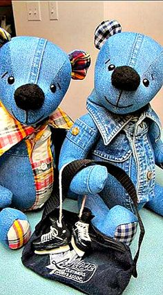Wonderful DIY Upcycled Denim Teddy Bears 2019 DIY Upcycled Denim Teddy Bears also included are lots of variations in different fabrics: The post Wonderful DIY Upcycled Denim Teddy Bears 2019 appeared first on Denim Diy. Sewing Toys, Sewing Crafts, Sewing Projects, Denim Art, Memory Pillows, Jean Crafts, Denim Ideas, Upcycled Crafts, Repurposed